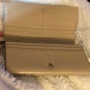 kate spade Bags - ♠️Kate Spade Leather Lacey bow wallet/wristlet♠️